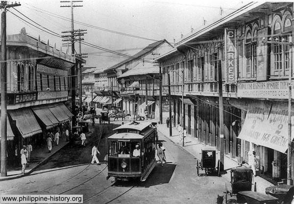 Picture of a tranvia or tramvia in Manila circa 1900s.